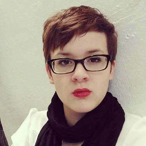 Short Pixie Cuts for Round Faces with Glasses-12