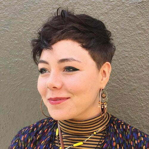 Short Pixie Cuts for Round Faces-16