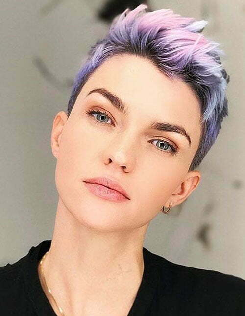 Short Pixie Cuts for Round Faces-17
