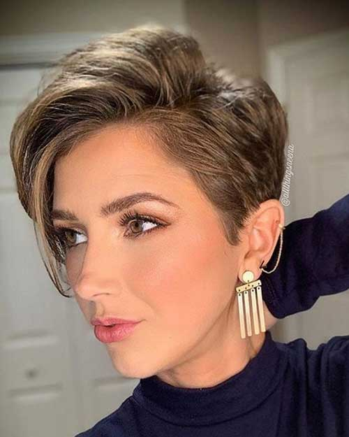 Modern Short Haircuts for Women-20