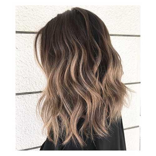 Short To Medium Hairstyles For Women