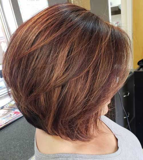 Short Hairstyles for Women Over 40-10