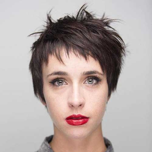 Short Layered Pixie Haircuts-13