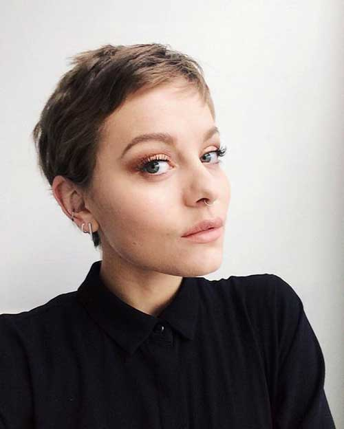Cute Short Haircuts for Fine Hair-15