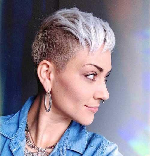 Short Layered Pixie Haircuts-15