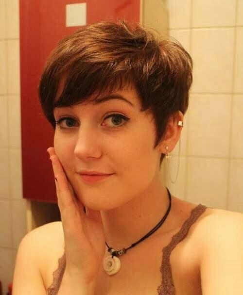 Short Layered Pixie Haircuts-17