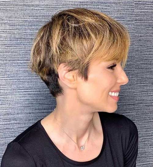 Short Layered Pixie Haircuts-20