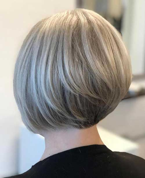 Short Haircuts for Older Ladies-13
