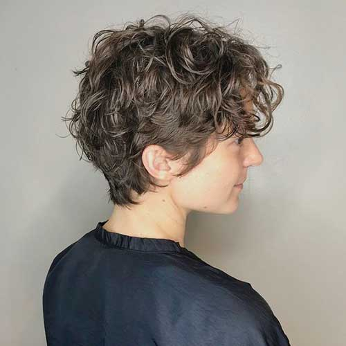 Short Haircuts for Wavy Hair-8