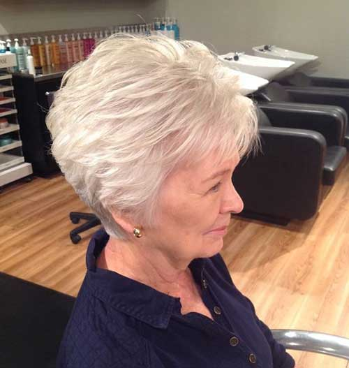 Short Thick Haircuts for Older Ladies-9