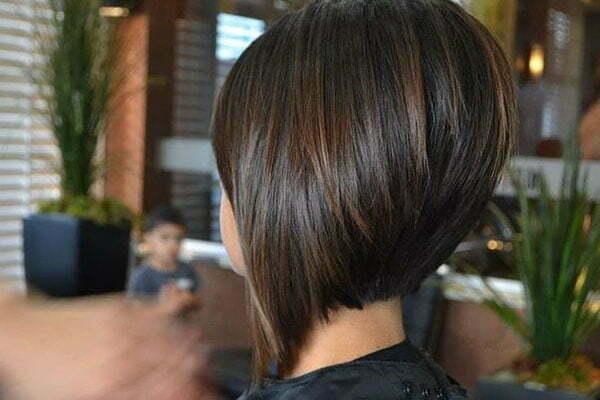 best short haircuts for women 2021
