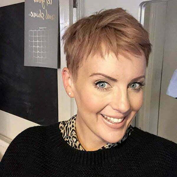pixie cut hair 2021