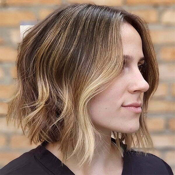 best short wavy hairstyles 2021