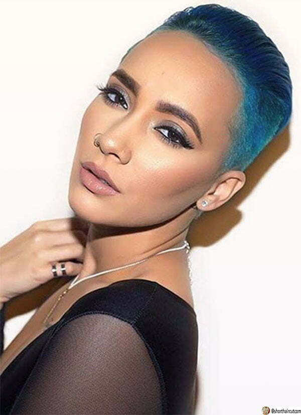blue hair cute