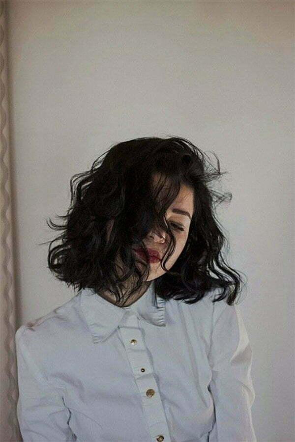 curly hair cut for women