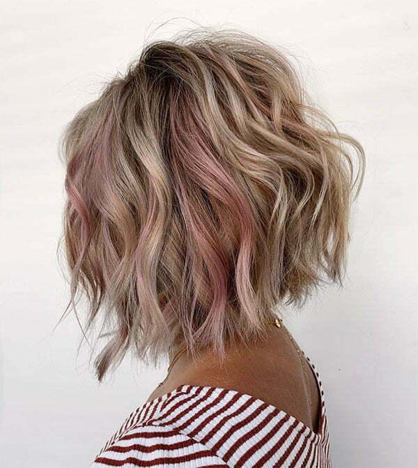cute haircuts for wavy hair