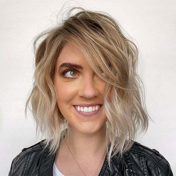 ideal haircut for wavy hair