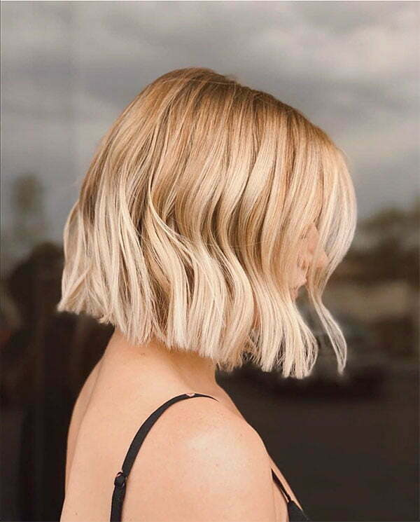short and blonde hairstyles