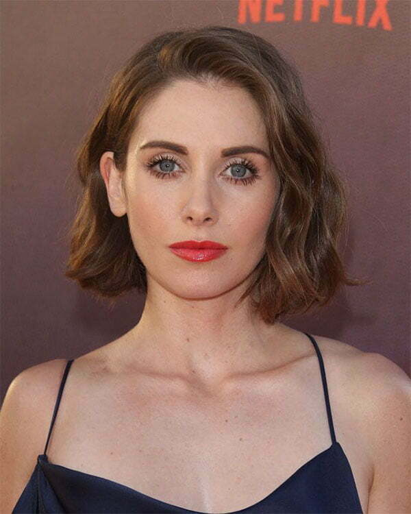 short hair style 2021 for woman